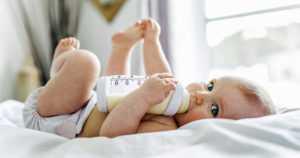 Ryömivien pikkulasten hengitysilmassa on enemmän hiukkasia kuin aikuisten – tutkimuksen apuna vauvarobotti