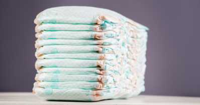 Todellinen törkimys otettiin kiinni kaupassa – viisikymppinen mies virtsasi vauvanvaippoihin