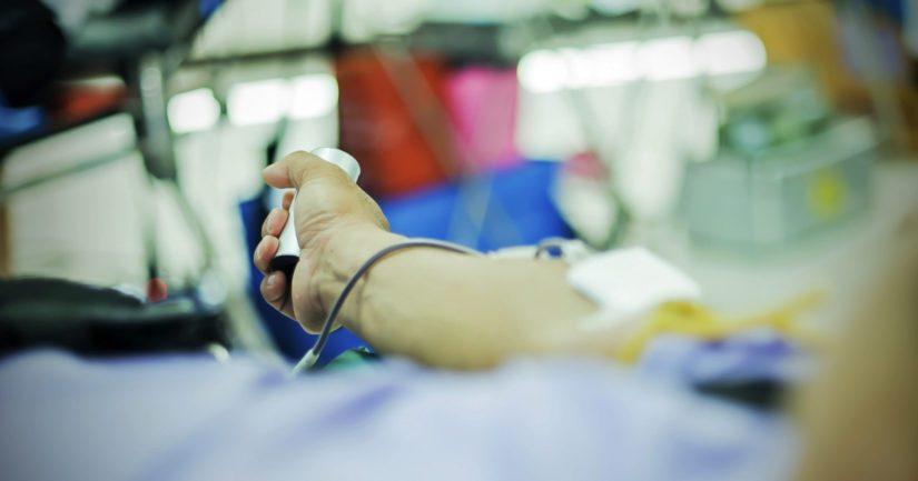 Suomessa tarvitaan joka arkipäivä 800 vapaaehtoista verenluovuttajaa.