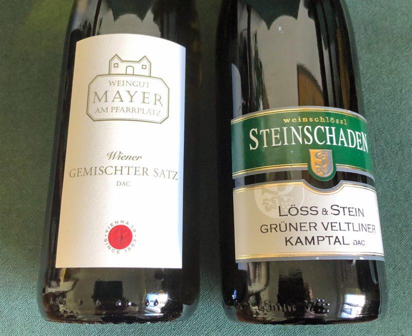 Itävaltalaisten valkoviinien herkullinen hedelmäisyys ja raikkaus pääsevät oikeuksiinsa vähän jääkaappia lämpimämpinä. Ota pullo kaapista varttia ennen ruokailua!