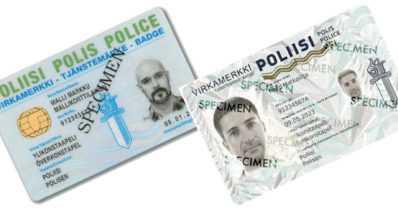 """´Polis´ lukee poliisin uudessa virkamerkissä pienemmällä kuin ´Poliisi´ – """"Loukkaa ruotsin kielen yhdenvertaisuutta"""""""