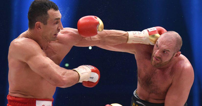 Siinä tammer tömisi ja aitaa kaatui, kun raskaan sarjan Vladimir Klitschko ja Tyson Fury ottivat mittaa toisistaan.