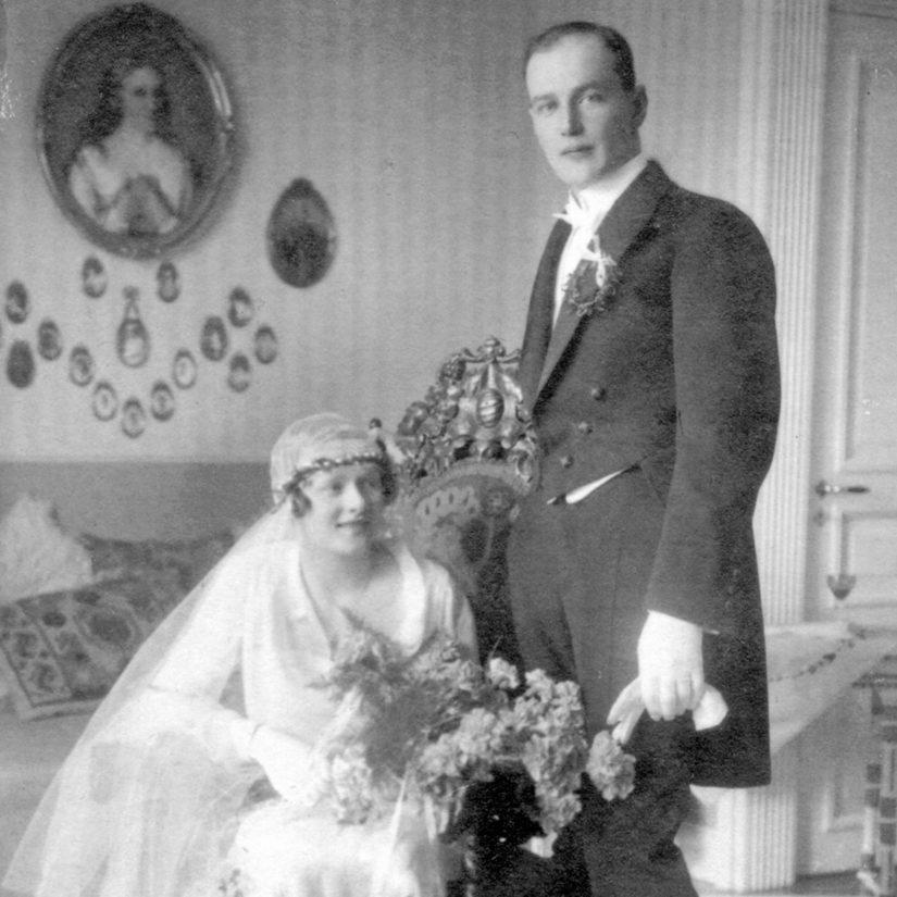 Keväällä 1927 nuori kapteeni solmi avioliiton Ulla Margareta Brakelin kanssa.