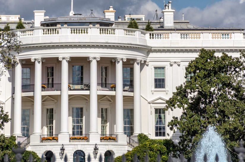 Yhdysvaltain presidentinvaalit pidetään marraskuussa, Valkoisen talon hallitsija vannoo virkavalansa tammikuussa 2021.