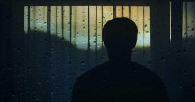 Aikalahja auttaa yksinäistä – se ei kerrytä turhien tavaroiden määrää