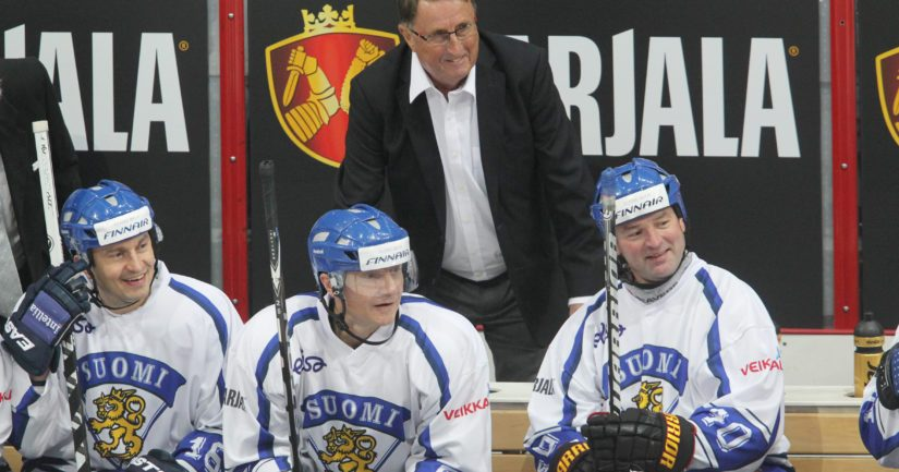 Curt Lindström nosti suomalaisen jääkiekkoilun kultakantaan.