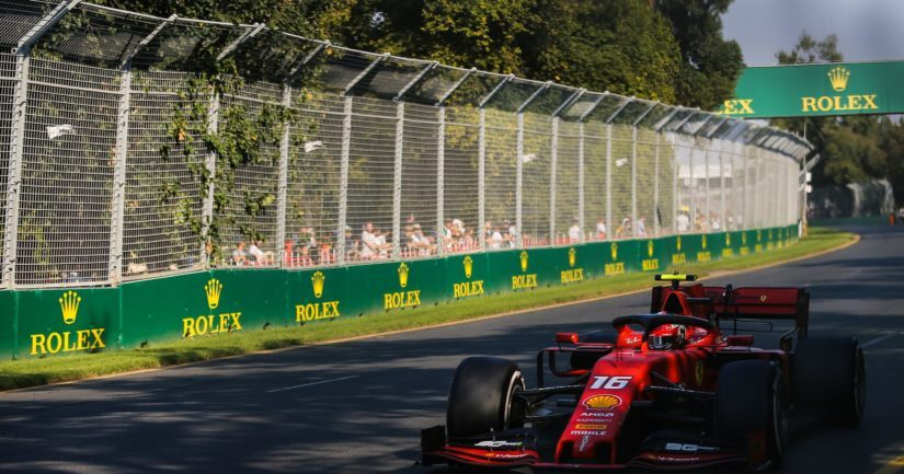 Formula ykkösten kauden oli määrä alkaa Australian Melbournessa Albert Parkin radalla.