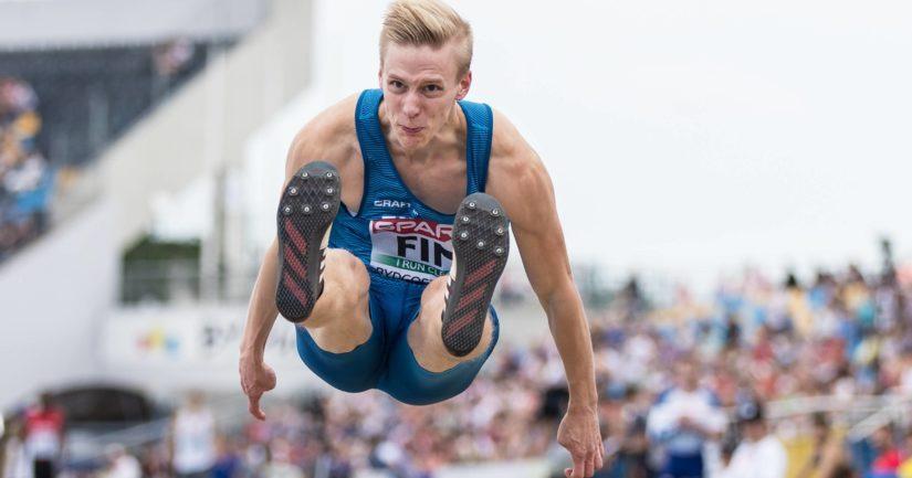 Kristian Pulli on pituushypyn Suomen ennätyksen haltija tuloksella 827.
