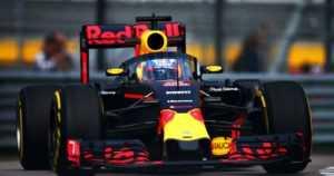 Red Bullilta kova ratkaisu – kuljettajaa vaihdettiin