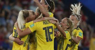 Jalkapallomahti Ruotsi pelaa MM-kisojen välierissä