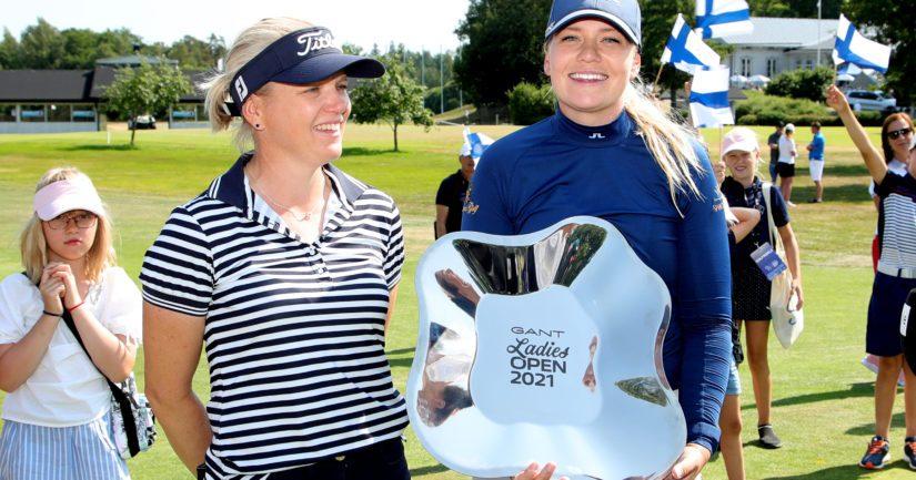 Matilda Castren (oikealla) voitti Turussa Euroopan kiertueen kilpailun (Kuva Tomi Natri)